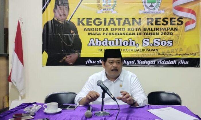Ketua DPRD Balikpapan Abdulloh saat jumpa pers di rumah dinas.