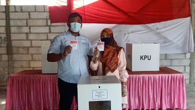 Photo of Fauzi Adi Firmansyah Gunakan Hak Pilihnya Di TPS 55, Kelurahan Batu Ampar.
