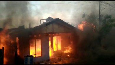 Photo of Gunung Bugis Kembali Membara, Puluhan Rumah Warga Hangus Dilahap Si Jago Merah