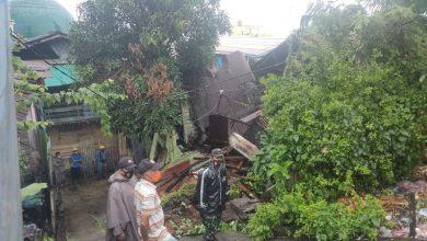 Photo of Akibat Hujan Deras Disertai Angin Kencang Membuat 1 Bangunan Rumah Warga Roboh