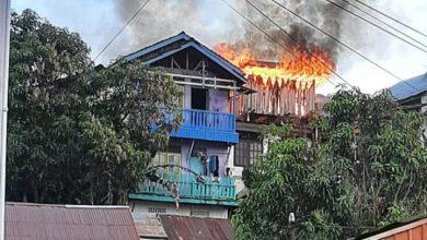 Photo of Kantor Ekspedisi Hangus Dilahap Si Jago Merah, 8 Unit Damkar di Turunkan