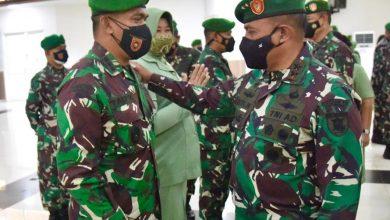 Photo of Sebanyak 1.816 Prajurit Kodam VI/Mulawaan Naik Pangkat, Pangdam VI/Mlw Pimpin Langsung Kegiatan