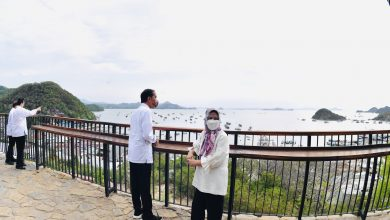Photo of Presiden Jokowi Kunjungi Tempat Terbaik, Menikmati Pemandangan Matahari Terbenam di Labuan Bajo